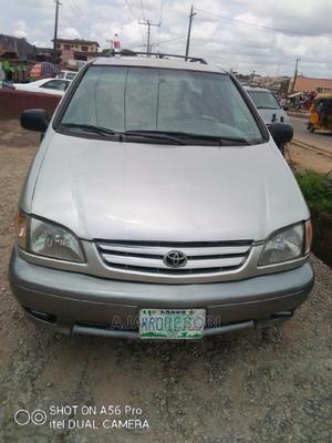 Toyota Sienna 2002 LE Gold   Cars for sale in Lagos State, Ejigbo