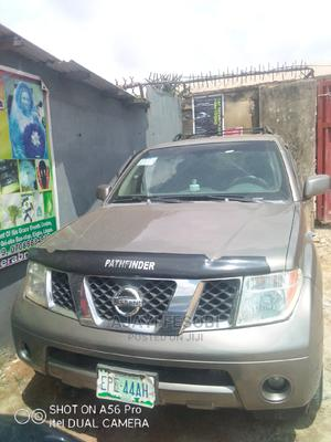 Nissan Pathfinder 2006 LE 4x4 Gold | Cars for sale in Lagos State, Ejigbo