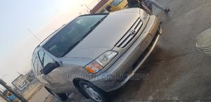 Toyota Sienna 2002 LE Gold   Cars for sale in Lagos State, Surulere