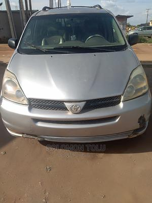 Toyota Sienna 2005 XLE AWD Silver   Cars for sale in Lagos State, Ikotun/Igando