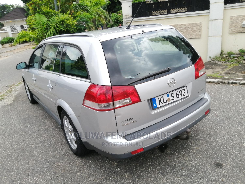 Opel Vectra 2005 2.2 DTI Silver