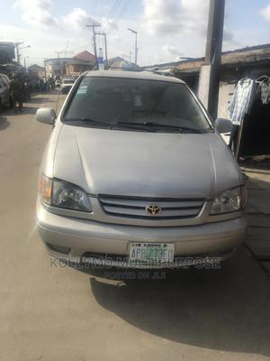 Toyota Sienna 2002 CE Silver   Cars for sale in Lagos State, Surulere
