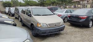 Toyota Sienna 2004 LE FWD (3.3L V6 5A) Brown   Cars for sale in Lagos State, Surulere