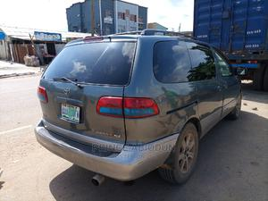 Toyota Sienna 2000 XLE & 1 Hatch Gray   Cars for sale in Lagos State, Alimosho