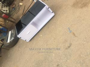 White Center Table With Glass   Furniture for sale in Lagos State, Surulere