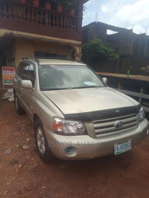 Toyota Highlander 2003 Limited V6 FWD Gold   Cars for sale in Lagos State, Alimosho