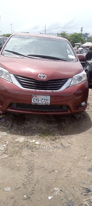 Toyota Sienna 2011 LE 7 Passenger Red   Cars for sale in Lagos State, Apapa