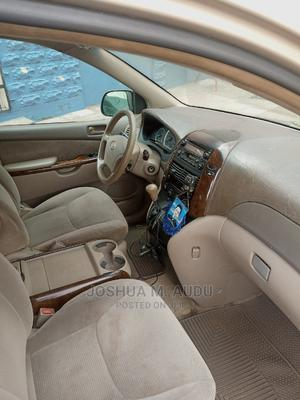 Toyota Sienna 2005 LE AWD Gold   Cars for sale in Lagos State, Yaba