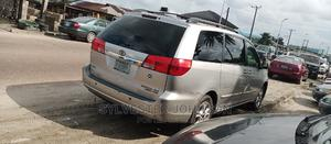 Toyota Sienna 2004 Gold   Cars for sale in Delta State, Warri