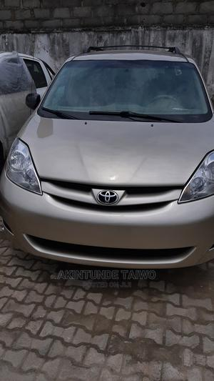 Toyota Sienna 2009 LE Gold | Cars for sale in Lagos State, Surulere