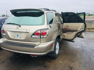 Lexus RX 2002 300 4WD Gold   Cars for sale in Rivers State, Oyigbo