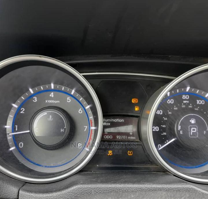 Archive: Hyundai Sonata 2011 Silver