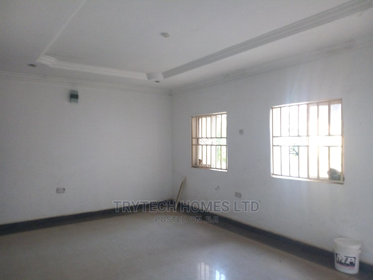 3bdrm Bungalow in Gwarinpa for Rent