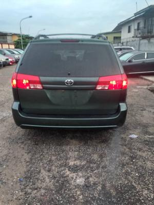 Toyota Sienna 2006 LE AWD Green   Cars for sale in Lagos State, Amuwo-Odofin