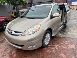 Toyota Sienna 2008 XLE Limited 4WD Gold | Cars for sale in Lagos State, Amuwo-Odofin