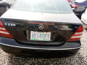 Mercedes-Benz C230 2006 Black | Cars for sale in Abuja (FCT) State, Lugbe District