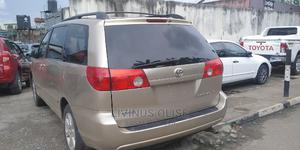 Toyota Sienna 2006 XLE AWD Gold   Cars for sale in Lagos State, Ogba