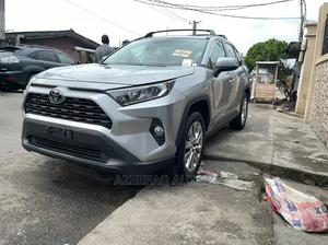 Toyota RAV4 2019 XLE Premium AWD Silver | Cars for sale in Lagos State, Surulere