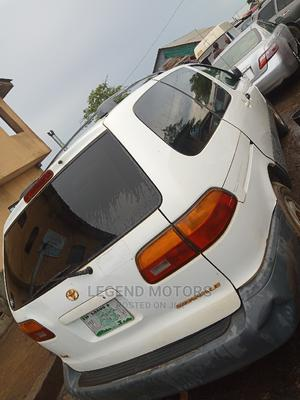 Toyota Sienna 2000 LE & 1 Hatch White   Cars for sale in Lagos State, Alimosho