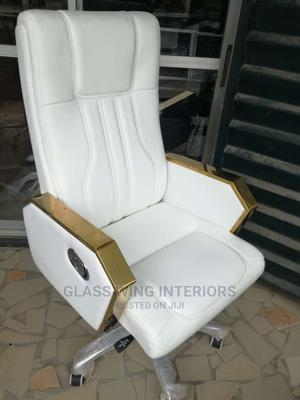 Luxury White Executive Armchair   Furniture for sale in Lagos State, Ojo