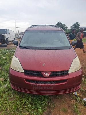 Toyota Sienna 2004 LE FWD (3.3L V6 5A) Red | Cars for sale in Delta State, Warri