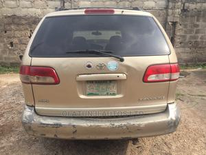 Toyota Sienna 2002 XLE Gold | Cars for sale in Lagos State, Ikeja