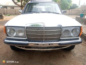 Mercedes-Benz 200 1983 White | Cars for sale in Abuja (FCT) State, Wuse 2