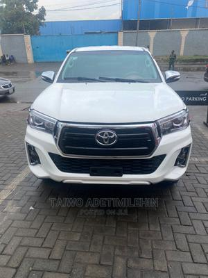 Toyota Hilux 2014 SR 4x4 White | Cars for sale in Lagos State, Ejigbo