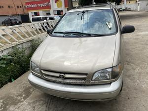 Toyota Sienna 2001 XLE Gold   Cars for sale in Lagos State, Isolo