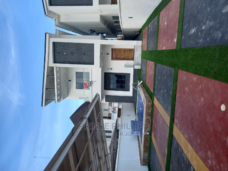 5bdrm Duplex in Divine Homes Thomas, Ajah for Sale