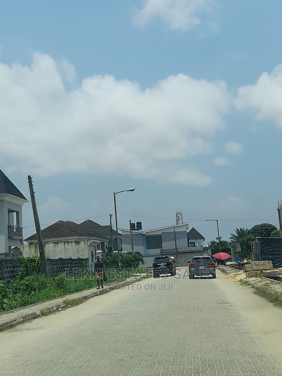 2bdrm Apartment in Lekki Phase 2 for Sale   Houses & Apartments For Sale for sale in Lekki Phase 2, Lekki, Nigeria