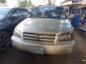 Toyota Highlander 2003 Gold   Cars for sale in Lagos State, Ikeja