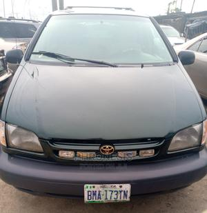 Toyota Sienna 2001 CE Green | Cars for sale in Delta State, Warri