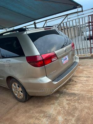 Toyota Sienna 2005 LE AWD Gold   Cars for sale in Ondo State, Akure