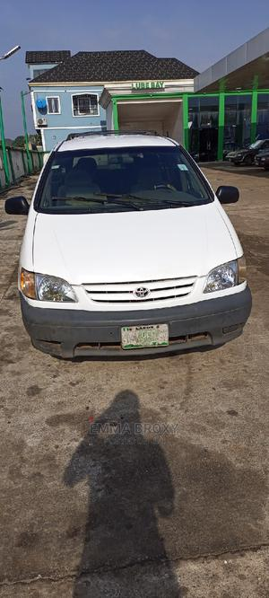 Toyota Sienna 2002 LE White   Cars for sale in Edo State, Benin City