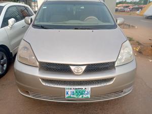Toyota Sienna 2005 Gold | Cars for sale in Ogun State, Sagamu