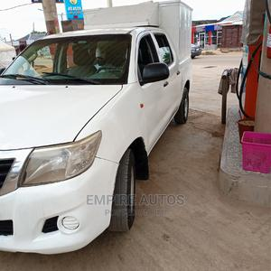 Toyota Hilux 2013 SR 4x4 White | Cars for sale in Lagos State, Ikeja