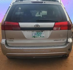 Toyota Sienna 2005 LE AWD Silver   Cars for sale in Lagos State, Alimosho