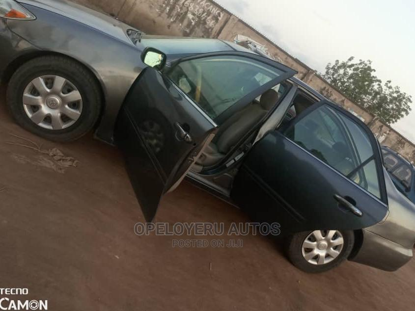 Toyota Camry 2004 Gray | Cars for sale in Alimosho, Lagos State, Nigeria