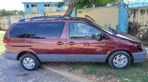 Toyota Sienna 2001 LE Red   Cars for sale in Abuja (FCT) State, Garki 2