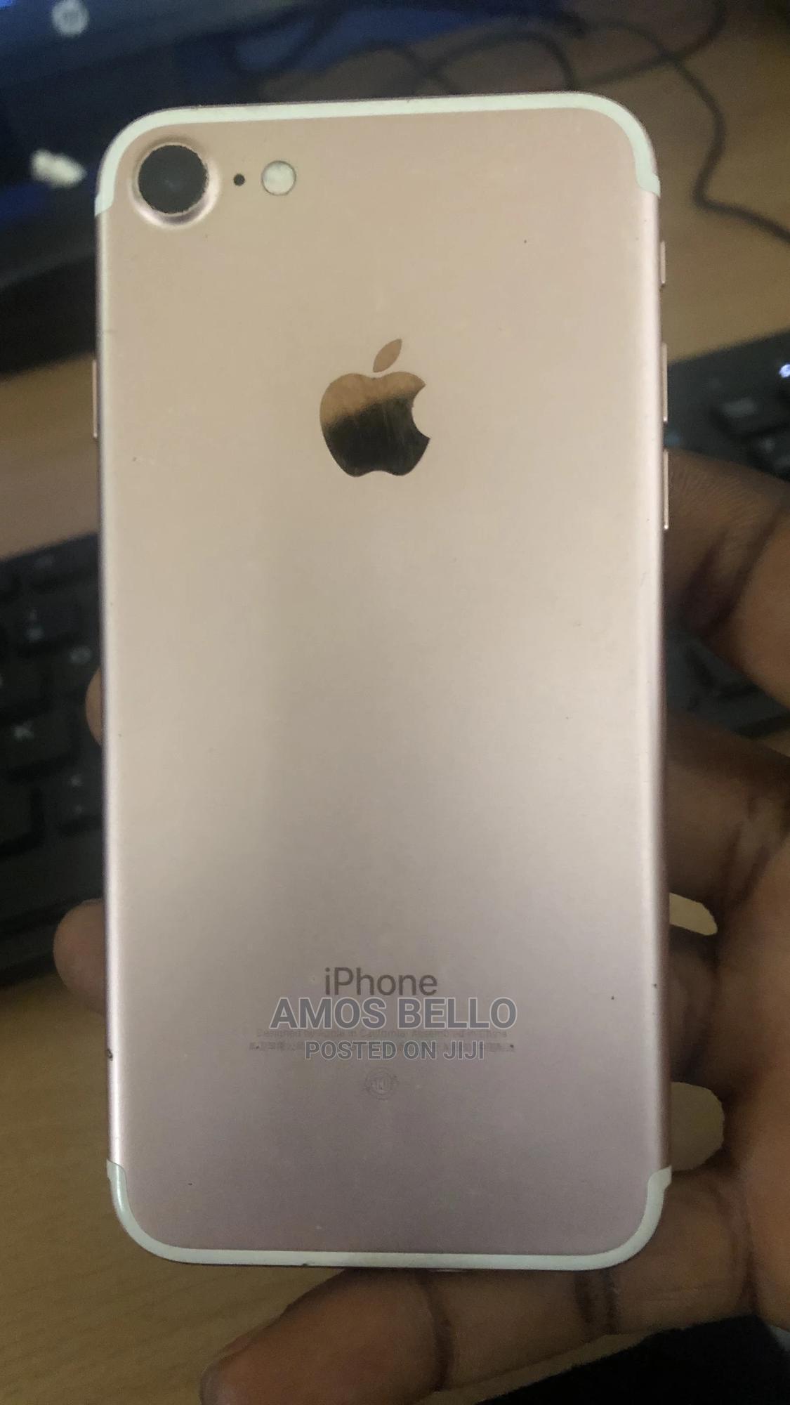 Apple iPhone 7 32 GB Gold   Mobile Phones for sale in Ajah, Lagos State, Nigeria