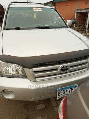 Toyota Highlander 2004 V6 AWD Silver | Cars for sale in Lagos State, Ojo