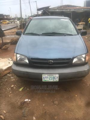 Toyota Sienna 2000 LE & 1 Hatch Blue | Cars for sale in Lagos State, Alimosho