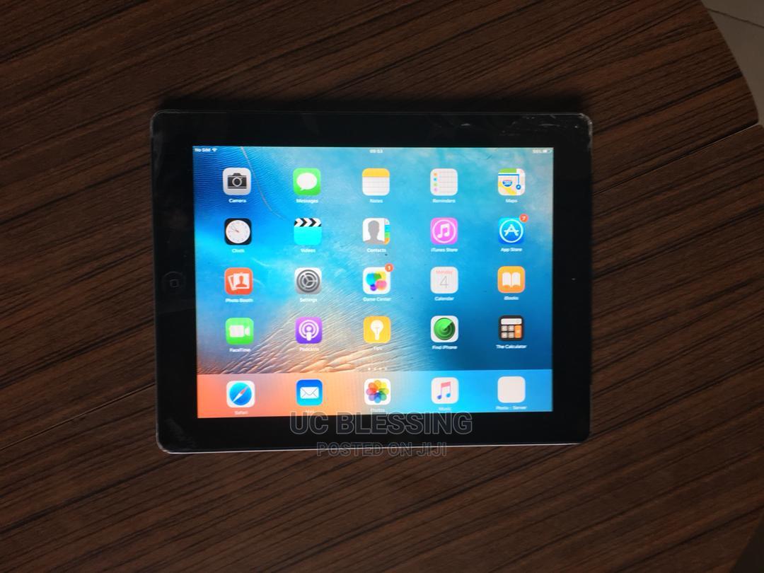 Archive: Apple iPad 2 Wi-Fi + 3G 32 GB Silver