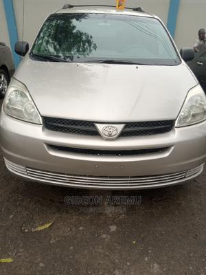 Toyota Sienna 2006 Silver   Cars for sale in Lagos State, Surulere