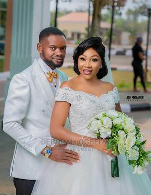 Wedding Gown and Bouquet   Wedding Wear & Accessories for sale in Edo State, Benin City