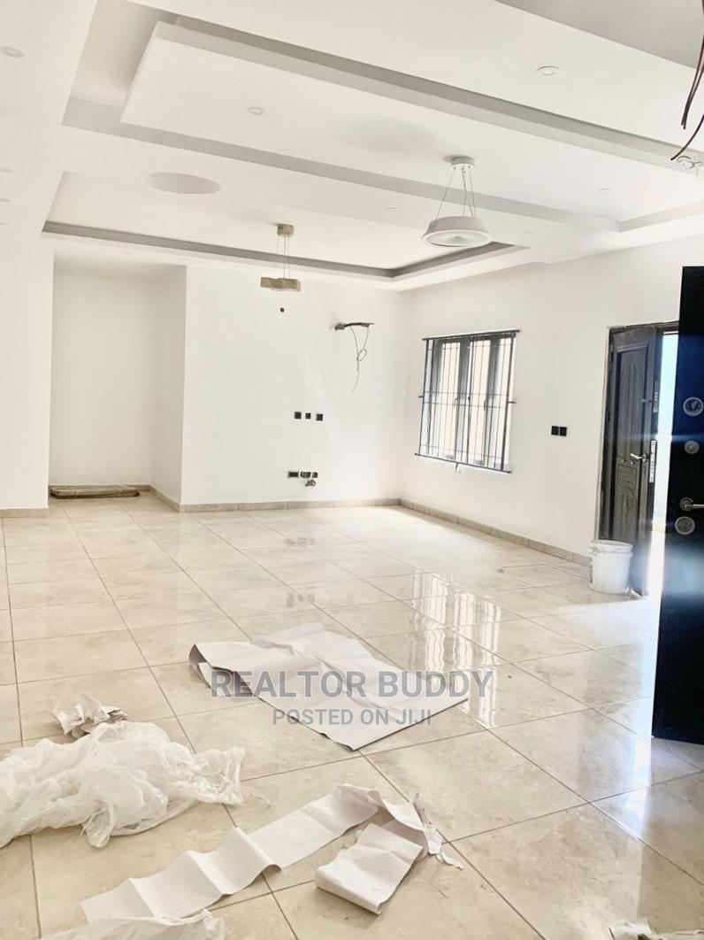 Furnished 3bdrm Apartment in Victoria Island for Sale