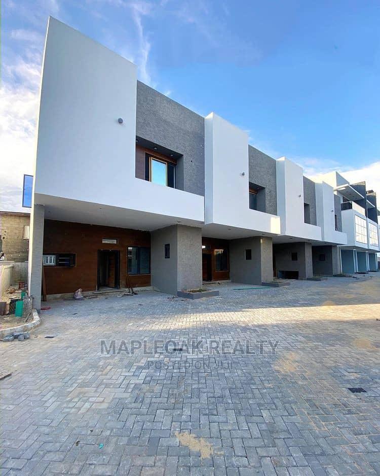 4bdrm Townhouse in Lekki for Sale