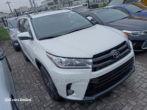 Toyota Highlander 2018 XLE 4x2 V6 (3.5L 6cyl 8A) White | Cars for sale in Lagos State, Lekki