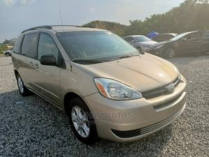Toyota Sienna 2005 LE AWD Gold   Cars for sale in Abuja (FCT) State, Gwarinpa